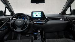 Toyota C-HR GR Sport, un Suv coupé inc***ato nero. Il prezzo - Immagine: 18