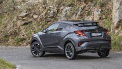 Toyota C-HR GR Sport, un Suv coupé inc***ato nero. Il prezzo - Immagine: 22