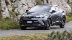 Toyota C-HR GR Sport, un Suv coupé inc***ato nero. Il prezzo - Immagine: 24