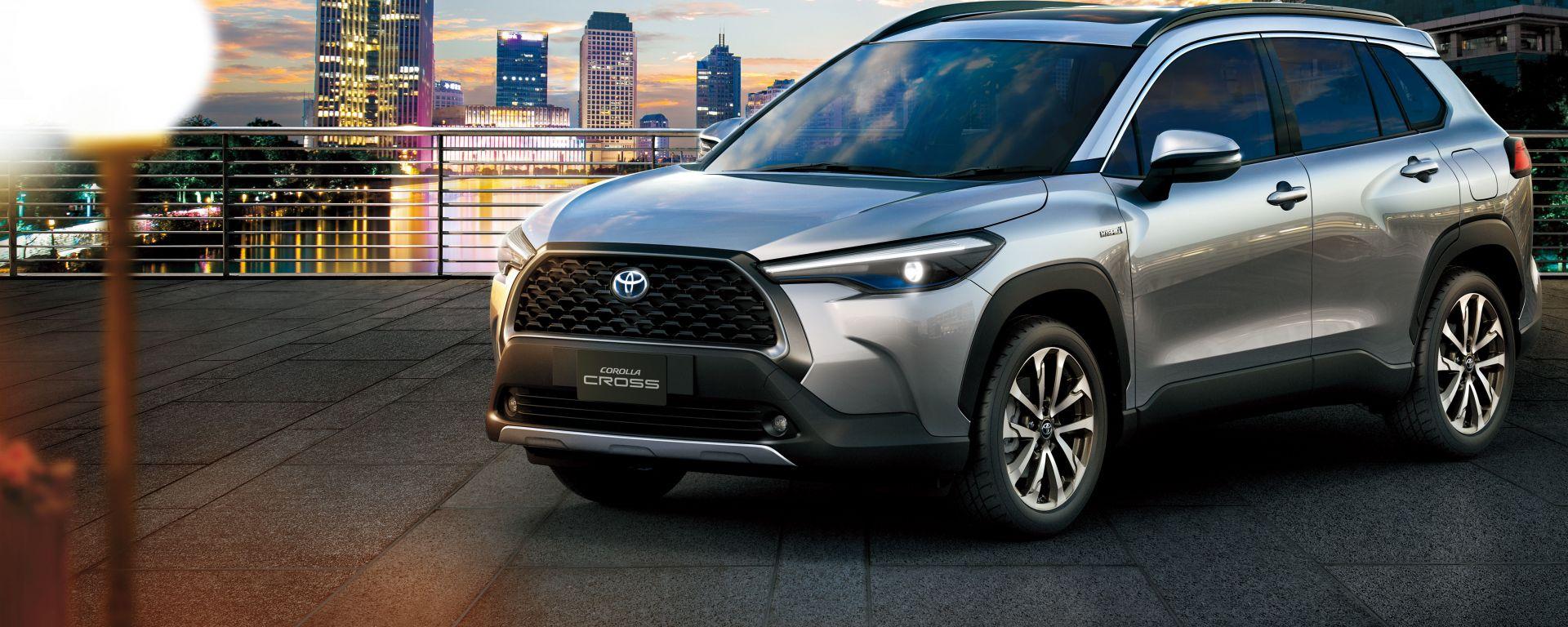 Nuova Toyota Corolla Cross: il frontale