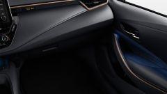 Nuova Toyota Corolla Touring Sports Trek: anche le luci ambiente in abitacolo