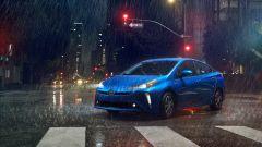Nuova Toyota Prius AWD-e 2019: vista 3/4 anteriore
