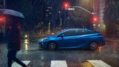 Nuova Toyota Prius AWD-e 2019: vista laterale