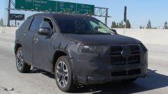 Nuova Toyota RAV4 2019: ecco la foto spia del SUV Toyota - Immagine: 1