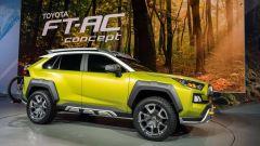 Nuova Toyota RAV4 2019: ecco la foto spia del SUV Toyota - Immagine: 2