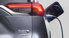 Toyota RAV4 Plug-in Hybrid, via alle vendite. Prezzi e promo - Immagine: 3