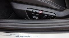 Nuova Toyota Supra 2019: i comandi per la regolazione del sedile guida