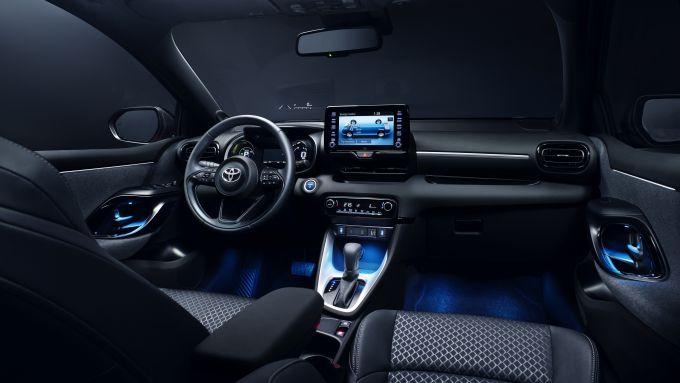 Nuova Toyota Yaris, gli interni
