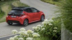 Nuova Toyota Yaris Hybrid, cambia tutto