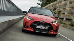 Nuova Toyota Yaris Hybrid, il frontale
