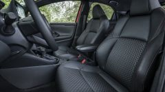 Nuova Toyota Yaris Hybrid, sedili anteriori