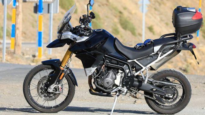 Nuova Triumph Tiger 800 2020: vista lato sinistro