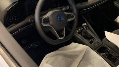 Nuova Volkswagen Golf 2020: gli interni