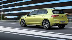 Nuova Volkswagen Golf 2020: scatto dinamico