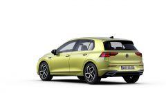 Nuova Volkswagen Golf 2020: visuale statica di 3/4 posteriore