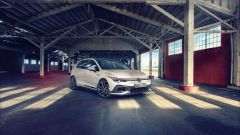 Nuova Volkswagen Golf GTI Clubsport: frontale
