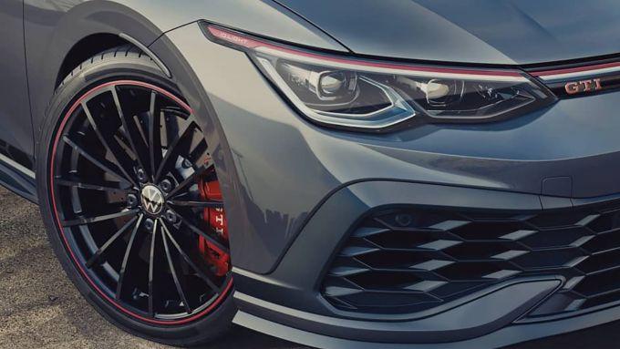 Nuova Volkswagen Golf GTI Edition 45: cerchi in lega speciali e dettagli motorsport