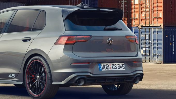 Nuova Volkswagen Golf GTI Edition 45: una versione speciale per il compleanno