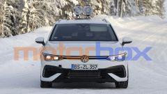 Nuova Volkswagen Golf R Variant: fari full LED e prese d'aria maggiorate