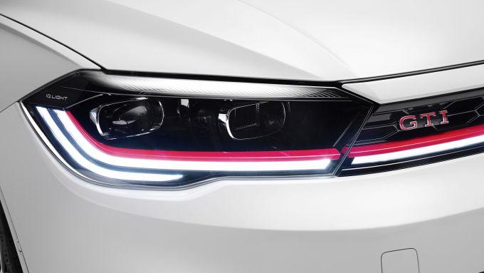 Nuova Volkswagen Polo GTI 2021: i gruppi ottici a matrice di LED