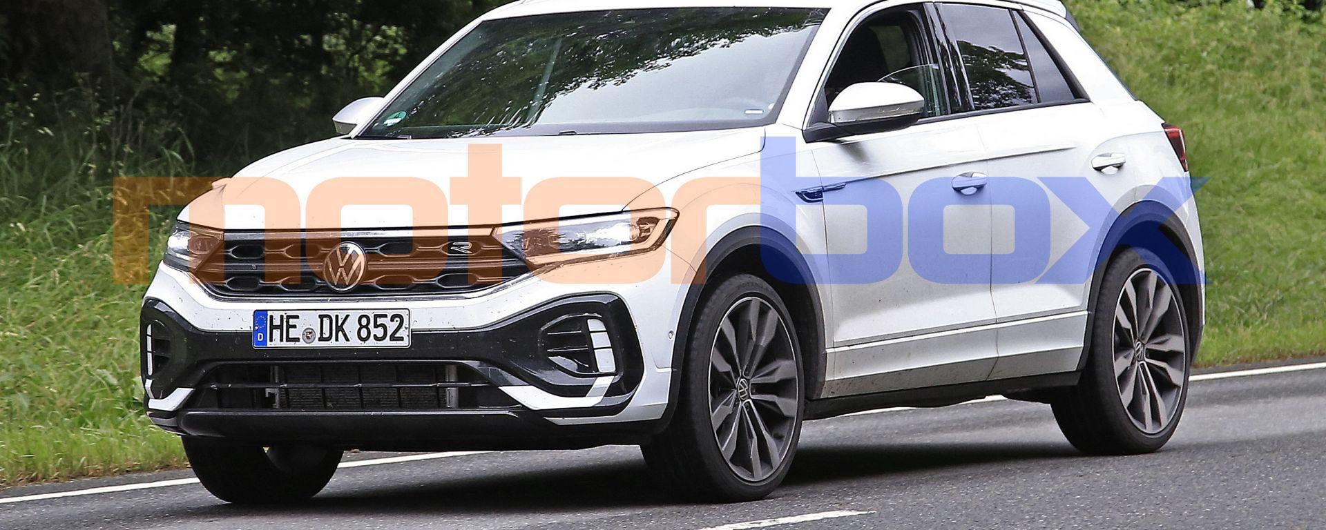 Nuova Volkswagen T-Roc: per il 2022 arriva il facelift anche in allestimento sportivo R-Line