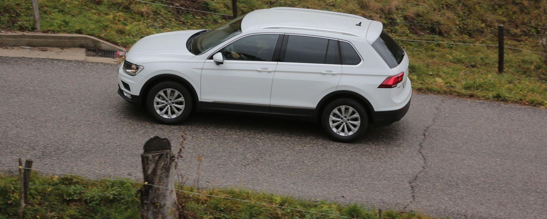 Nuova Volkswagen Tiguan 1.6 TDi: vista laterale dall'alto