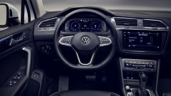 Nuova Volkswagen Tiguan 2021 eHybrid: gli interni