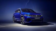 Nuova Volkswagen Tiguan 2021 R: visuale di 3/4 anteriore