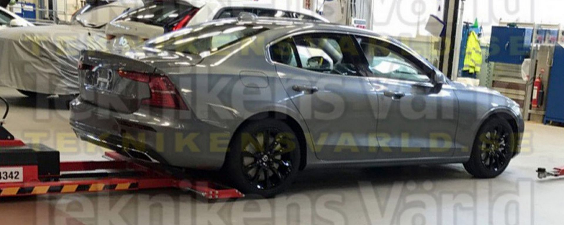 Nuova Volvo S60: le prime immagini