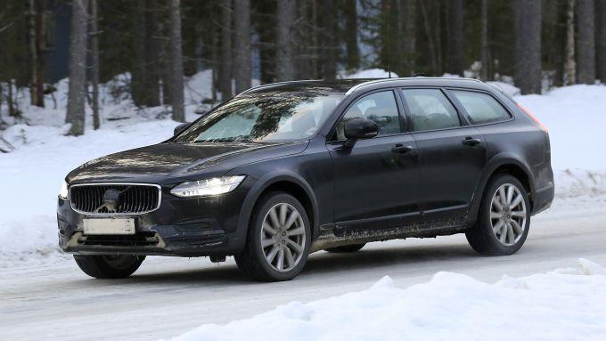 Nuova Volvo Serie 90: cambierà anche la Cross Country