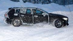 Nuova Volvo V60 2018, foto spia