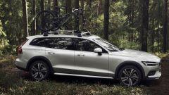 Nuova Volvo V60 Cross Country, la familiare entra nel bosco - Immagine: 4