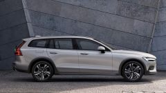 Nuova Volvo V60 Cross Country, la familiare entra nel bosco - Immagine: 7
