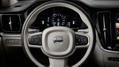 Nuova Volvo V60 Cross Country, la familiare entra nel bosco - Immagine: 10