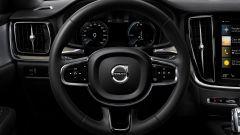 Nuova Volvo V60 Cross Country, la familiare entra nel bosco - Immagine: 12