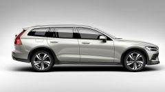 Nuova Volvo V60 Cross Country, la familiare entra nel bosco - Immagine: 15