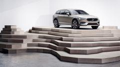 Nuova Volvo V60 Cross Country, la familiare entra nel bosco - Immagine: 23