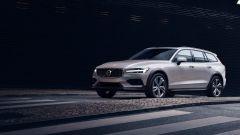 Nuova Volvo V60 Cross Country, la familiare entra nel bosco - Immagine: 1