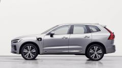 Nuova Volvo XC60 2021: il SUV svedese in versione elettrificata