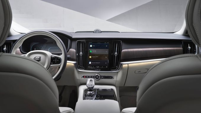Nuova Volvo XC60 2021: l'abitacolo sarà aggiornato con inediti rivestimenti in tessuto