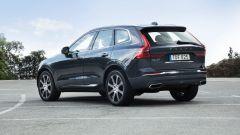 Nuova Volvo XC60: vista 3/4 posteriore