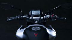 Nuova Yamaha MT-03: dettaglio manubrio
