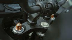 Nuova Yamaha Tracer 700: la forcella è ora regolabile