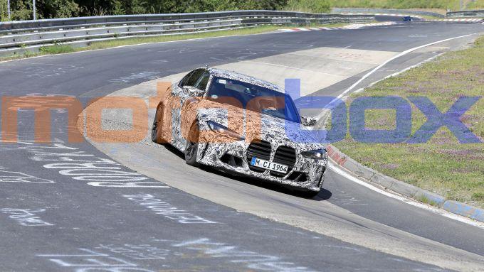 Nuove BMW M3 e M4: un passaggio al Ring durante i collaudi