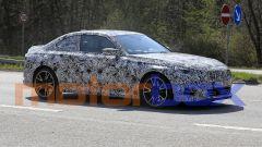 Nuove foto spia di BMW Serie 2 Coupé: visuale di 3/4 anteriore