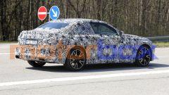 Nuove foto spia di BMW Serie 2 Coupé: visuale di 3/4 posteriore