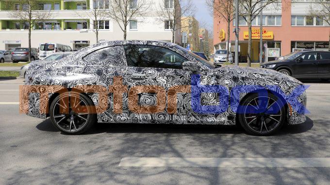 Nuove foto spia di BMW Serie 2 Coupé: visuale laterale