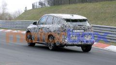 Nuovo BMW X1 2022, nuove foto spia: visuale di 3/4 posteriore