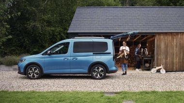 Nuovo Ford Tourneo Connect 2021: la versione Active, visuale laterale