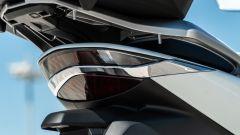 Nuovo Honda SH 150i 2020, fanale posteriore e maniglie per il passeggero